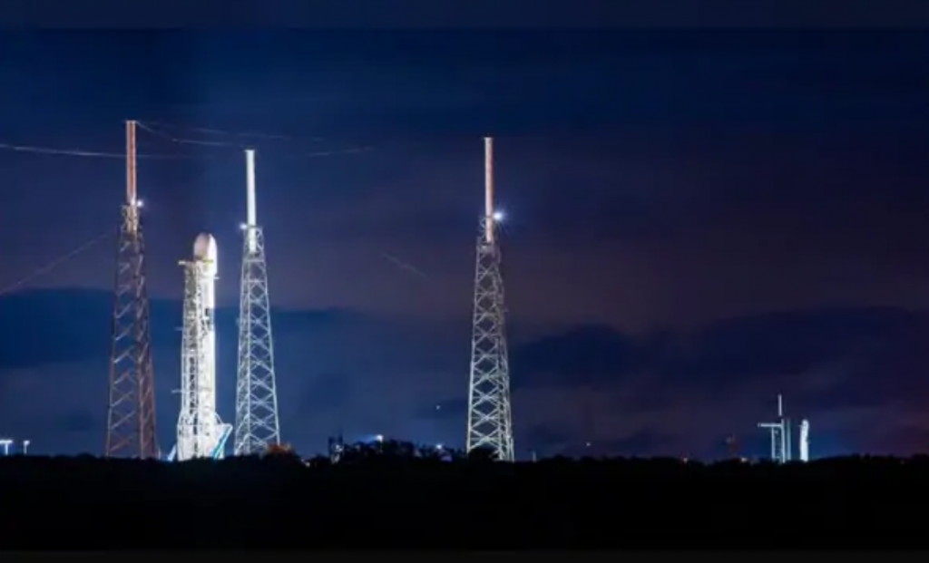SpaceX公司的德尔塔4重型火箭发射因技术问题停止
