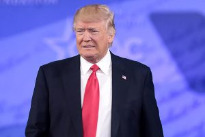 1分钟短篇英语新闻:美国最高法院拒绝唐纳德·特朗普推翻总统大选的提议