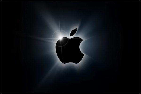据报道,苹果正在研发翻盖式可折叠iPhone,可能会在2022年或2023年推出