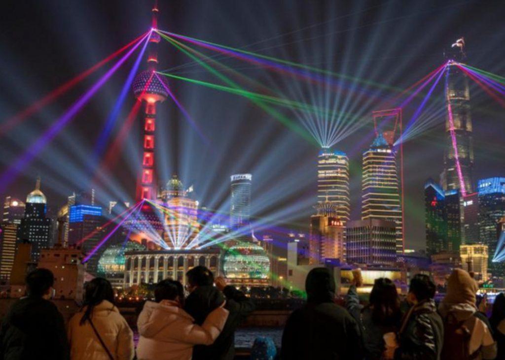 2021年初,上海有64个总价值420亿美元的重大项目开工建设