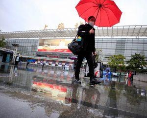 除夕夜,上海交通流量减少;居民们留在原地庆祝节日