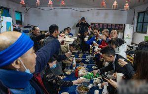 农民工在北京举行社区春节庆祝晚会