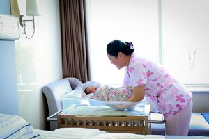 人口统计学家指出,随着新生儿数量降至十年来的最低水平,北京人口将在2022年下降