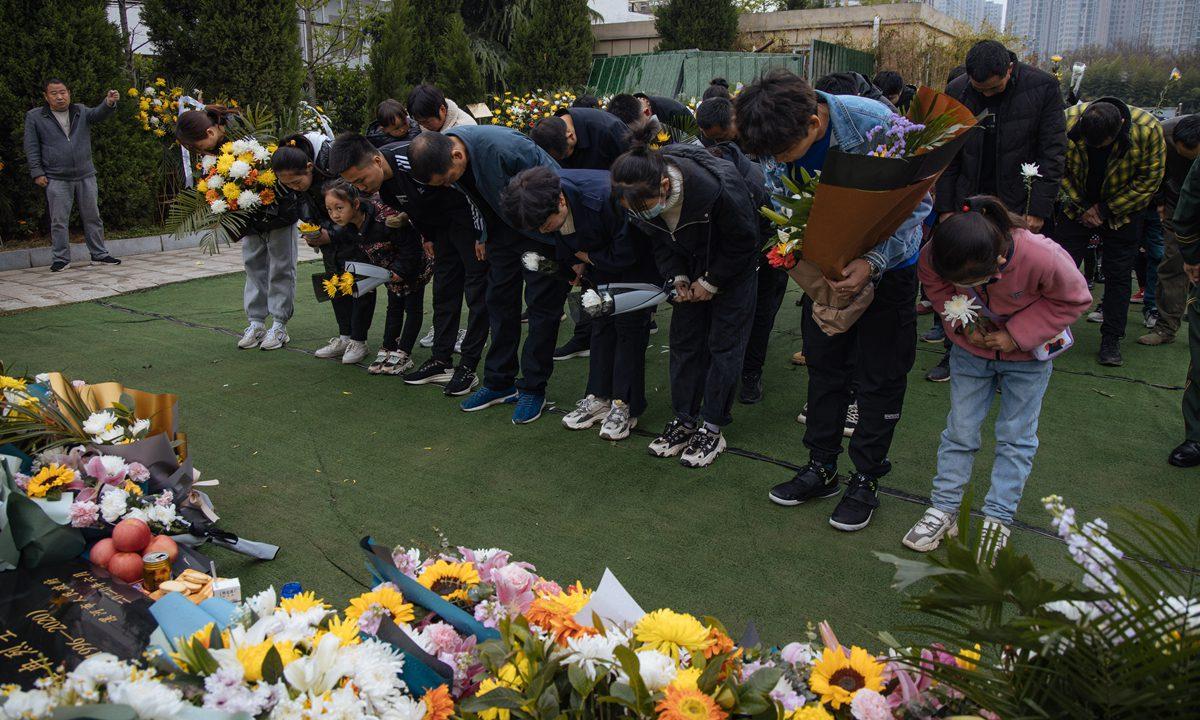清明节前夕,中国人民向在中印边境冲突中牺牲的烈士致敬