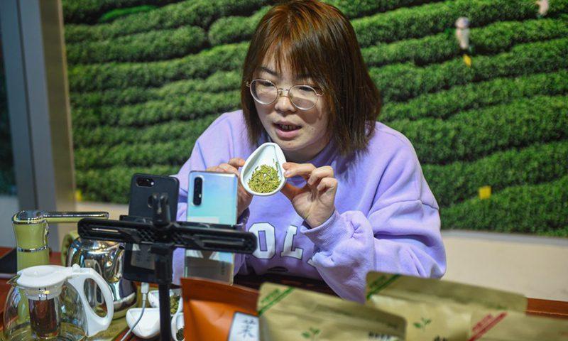 近日,中国发布了加强直播销售行业监管的规定