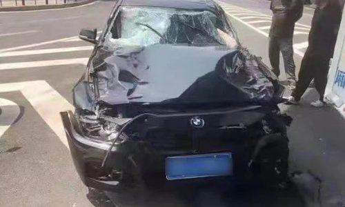 """由于投资失败,司机""""报复社会"""",开车冲入人群,造成5人死亡"""