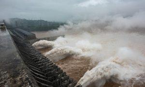 97条河流超过警戒水位,中国开始采取防洪措施