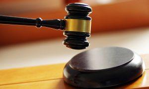 一名教师因强奸九名女孩被判死刑