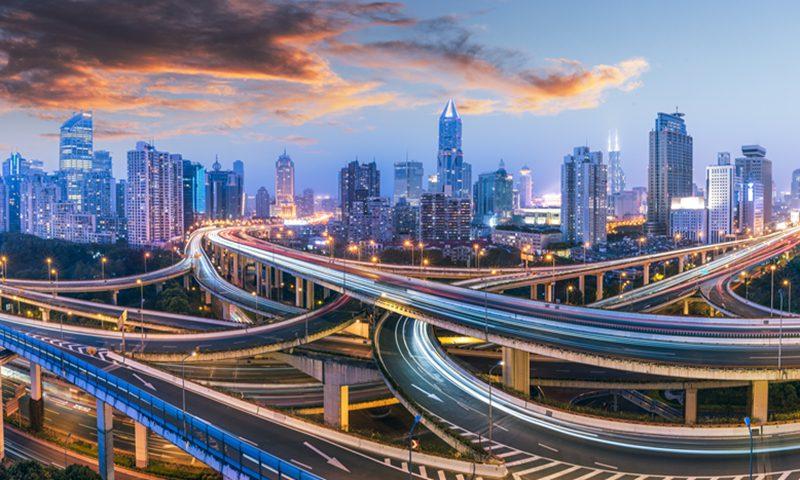 在新的五年计划中,上海承诺要在交通运输领域占据全球领先地位