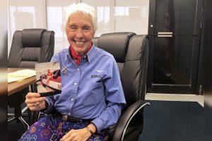 贝索斯挑选82岁女性航天先驱共进太空