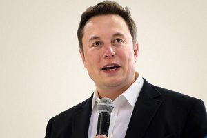 """埃隆·马斯克发帖讽刺:""""贝佐斯退休是为了全身心对SpaceX提出诉讼"""""""
