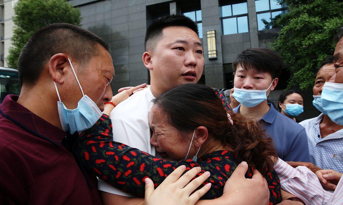 """公安部:""""团圆""""行动已找回失踪被拐儿童4302名"""